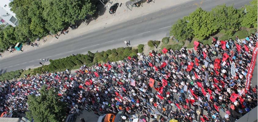 Shqiptarët në Shkup Protestuan në mënyrë të qetë dhe demokratike