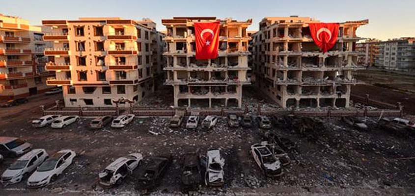Şanlıurfa car bomb attack kills 2, injures 11