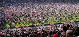 Köln 25 yıl sonra Avrupa kupalarına katıldı taraftarları Avrupa'yı istila etti..