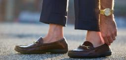Kjo është arsyeja përse nuk duhet të vishni asnjëherë këpucë pa çorape
