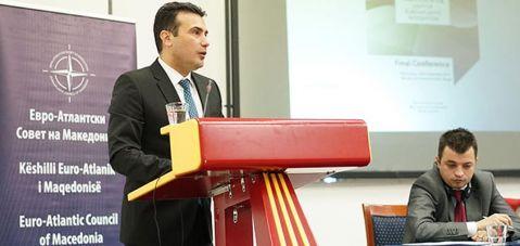Zaev: Janë të mundshme zgjidhjet për problemin me Greqinë dhe për integrimin në NATO dhe BE