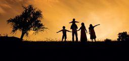 Aile içinde sevgi asıldır