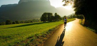 Në mëngjes, më mirë vrapi apo gjumi?