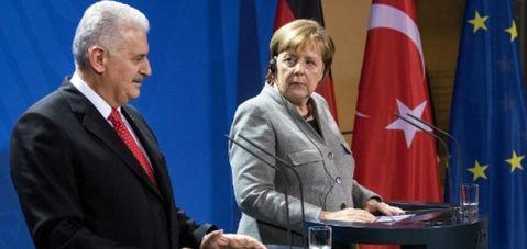Merkel'in gözüne bakıp sayıyı 10 kat fazla söyledi: Kamuya geri dönen memur sayısı 3 bin 600; Yıldırım'a göre 33 bin!