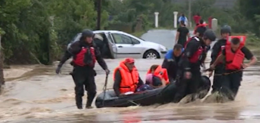 Floods prompt evacuations in Serbia