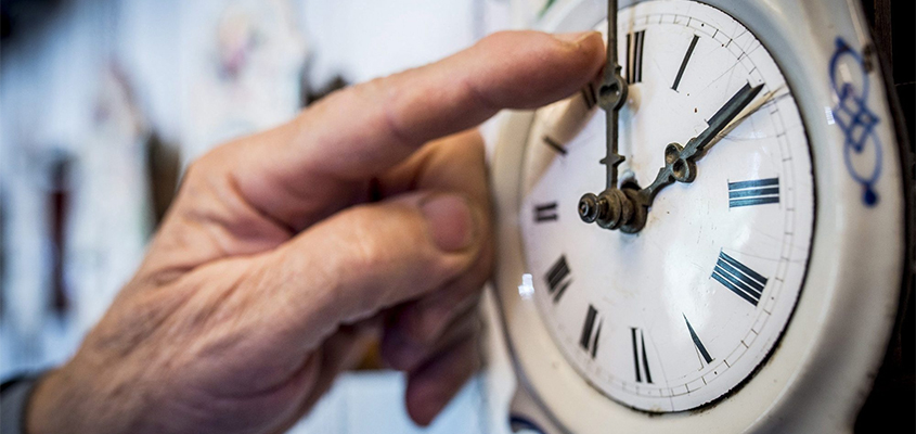 EU lawmakers vote to nix daylight saving changes in 2021