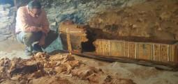 Arkeologët zbulojnë disa mumje dhe varrin e një argjendari në Egjipt