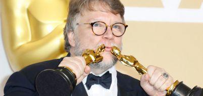 'The Shape of Water' triumphs at nail-biting Oscars