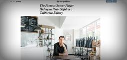 Hakan Shykyr, Nga 'Sulltan' Futbolli, Në Shërbyes Kafeneje