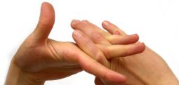 Parmaklarda çıtlama sesi nereden geliyor?