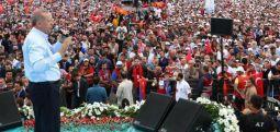 AKP'ye miting şoku: Yenikapı'ya 300 bin kişi katıldı