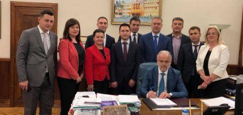 Xhaferi: Moment historik votimi i ligjit për ratifikimin e marrëveshjes