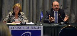 KKE: Qytetarët të vendosin me referendum