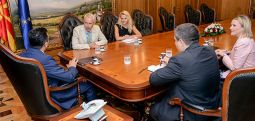 Холандија ја поддржува Македонија во процесот за членство во ЕУ и НАТО
