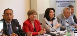 Debat: Ka rreziqe të sigurisë nga valë e mundshme e emigrantëve dhe nga hapja e rutave të reja