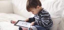 Tablet ve akıllı telefonlar çocukları nasıl kambur yapıyor?
