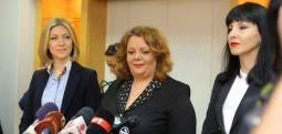 Hükümet Özel Yetkili Savcılık Kanunu geçirebilmek için üçte iki çoğunluğu sağlamaya çalışıyor..