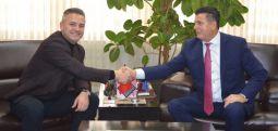 Bekim Jashari përkrah peticionin për bashkimin e qytetit të Mitrovicës
