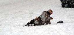 """""""Sokakta kar ve buzdan yaralanırsanız, belediyeye dava açın"""""""