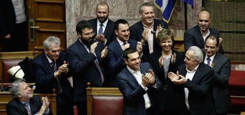 По изгласаната доверба, грчката Влада се фокусира на Договорот од Пресп