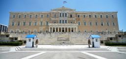 Грција од сабота во целосен карантин