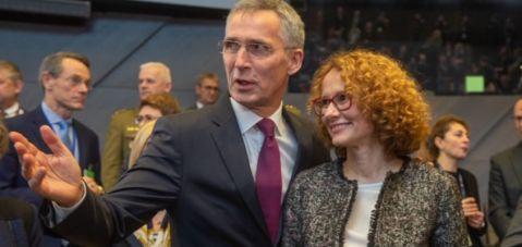 Şekerinska, NATO toplantısına katılan ilk Makedonya'lı Bakan oldu..