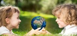Ruani shikimin e fëmijëve, 90 minuta në ditë jashtë në dritën natyrore