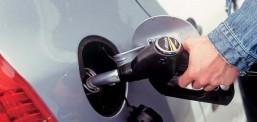 Lirohet çmimi i dizelit, rritet çmimi i benzinës në Maqedoni