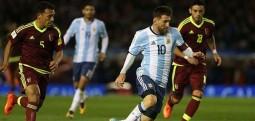 Messi kthehet në kombëtaren e Argjentinës