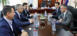 Висок претставник на УЕФА во посета на општина Чаир