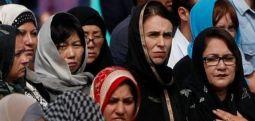 Yeni Zelanda'da cuma namazı ve ezan ilk kez canlı yayınlandı, on binlerce kişi kurbanları andı