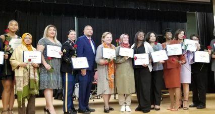 Yazar Eroğlu'na Amerika'da yılın 'inanç özgürlüğü' ödülü: Bu ödülü hepishanedeki 17 bin kadın adına aldım