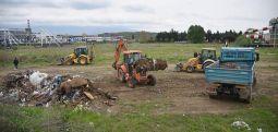 """Акција на Град Скопје и општина Карпош за чистење на депонијата позади салата """"Борис Трајковски"""""""