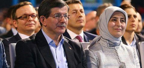 """Ve Ahmet Davutoğlu da """"yasaklarla"""" tanıştı"""