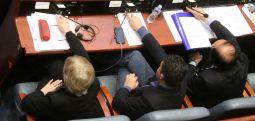 Закони вратени од Иванов денеска на повторно гласање пред пратениците