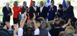"""""""Фајненшел тајмс"""": Договорот за името редок балкански дипломатски успех"""