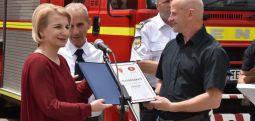 Teuta Arifi viziton Njësinë e Zjarrfikësve  të Tetovës