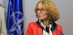 Шекеринска: Ратификацијата на членството во НАТО оди невообичаено брзо