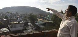 Hindistan'da her yıl 10 metre yükselen çöp dağı