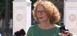 Шекеринска: Често се случува премиери да извршуваат и министерска функција кога сакаат да стават акцент на одредени прашања