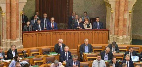 """Унгарскиот Парламент гласаше """"за"""" прием на Северна Македонија во НАТО"""