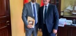 Kryetari i Ulqinit priti në takim sekretarin shtetëror të kulturës Valmir Aziri