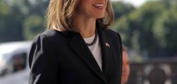 Американската амбасадорка Бернс во посета на Собранието