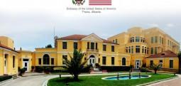 Ambasada e SHBA-së: Shumë studentë shqiptarë aplikojnë për vizë studimi në SHBA