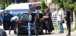 Janeva natën e kaloi në Shutkë, sot shkon në Gjevgjeli për varrimin e nënës së saj