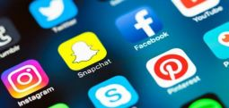Studimi: Rrjetet sociale shkaktojnë probleme mendore te adoleshentët