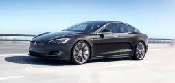 """Tesla, çok ilginç bir nedenden dolayı """"En Güvenli Arabalar"""" listesine giremedi"""