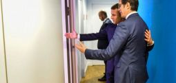 Макрон го уверил Пендаровски дека не нуди алтернатива на ЕУ за Скопје, но бара време
