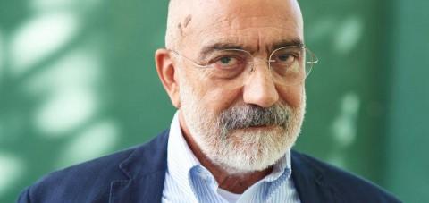 """Ahmet Altan'ın 'Kağıttan Flüt'ten sonra cezaevindeki ilk yazısı: """"Üç cam kutu"""""""