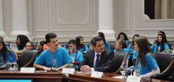 Të rinjtë me zë të fuqishëm folën në Ditën botërore të fëmijëve